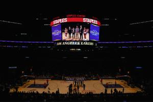 Bo Lakers Award3