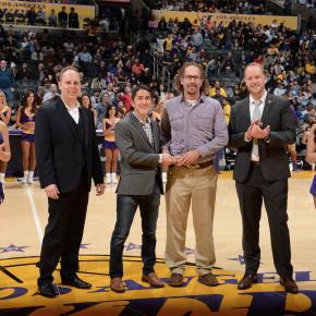 Bo Lakers Award4